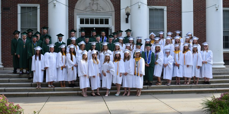 class of 2019 poses for a picture